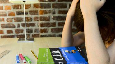 """Marie-Jeanne Petiniot, psychopédagogue : """"Le stress du CEB mène certains élèves au burn-out voire au suicide!"""""""
