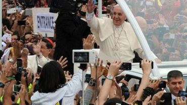 Le pape quitte Manille après une semaine en Asie