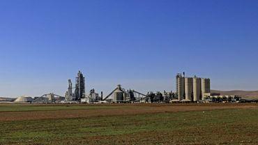 Vue générale de l'usine de ciment Lafarge àJalabiya en Syrie, le 19 février 2018