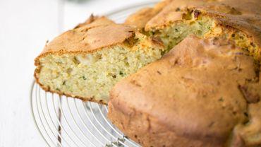 Gâteau sucré de courgettes