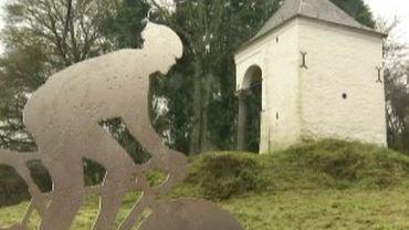 Mur de Huy: inauguration d'une stèle en mémoire de Claudy Criquielion