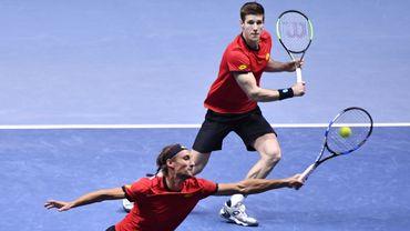 Coupe Davis : La France empoche le 3e set au tie-break (Live vidéo)