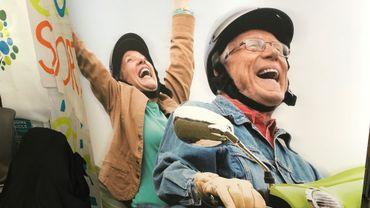 A l'image de cette publicité pour une mutuelle, les activités des seniors peuvent être joyeuses