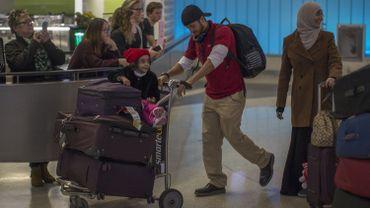 Des voyageurs yéménites à leur arrivée à l'aéroport de Los Angeles, après des rebondissements liés au décret Trump, le 8 février dernier