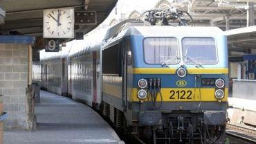 Pour ce rendre au travail, le train reste le mode de transport le plus utilisé, devant la voiture individuelle.