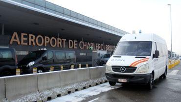 Aéroport de Charleroi: la grève du zèle des policiers durera jusqu'à 19h00