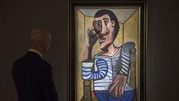 Sollicitée par l'AFP, la maison d'enchères a refusé de préciser les conditions dans lesquelles la toile avait été endommagée.