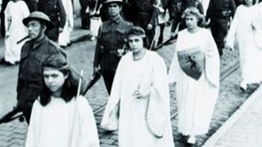 Les Anges de Mons dans la Procession du Car d'Or