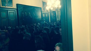 La salle du conseil communal est trop petite pour accueillir tout le public