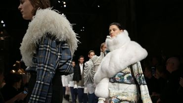 Défilé de Burberry pendant la Fashion Week de Londres Automne/hiver 2017