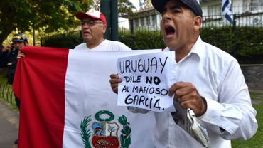 Protestation devant l'ambassade d'Uruguay à Lima, ce 19 novembre