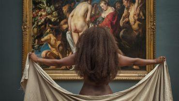 "Babetida Sadjo face à Jordaens (""Allégorie de la fertilité de la Terre"") Fine arts museum"