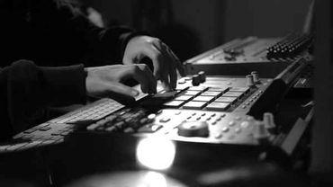 Ecoutez les beatmakers français raconter comment sont nés leurs plus grands tubes