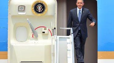 Le président américain Barack Obama arrive en Corée du Sud, sur la base aérienne de Pyeongtaek, au sud de Séoul, le 25 avril 2014