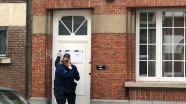 """Coronavirus : le bourgmestre d'Etterbeek fait fermer un """"salon de massage"""" encore en activité"""