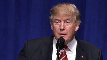 """Le président américain Donald Trump a accusé lundi, sans aucun éléments concrets à l'appui, les médias """"malhonnêtes""""."""