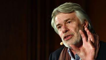 Chris Dercon, le directeur belge contesté de la Volksbühne de Berlin, jette l'éponge