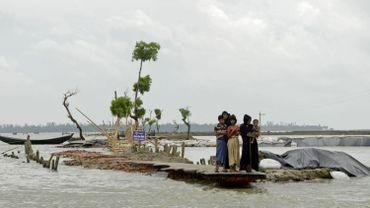Des Rohingyas à la frontière Birmanie-Bangladesh