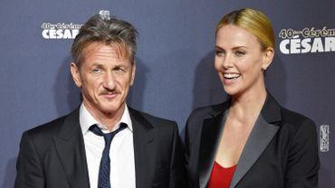 Sean Penn et Charlize Theron à leur arrivée à la cérémonie de remise des César, le 20 février 2015