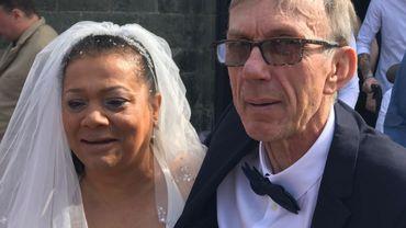 Marie-Line et Jean-Pierre à leur sortie de l'église