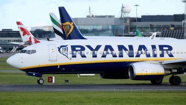 """Lundi, Ryanair a rappelé que l'immense majorité (98%) des clients touchés par la première vague - soit 315.000 clients - s'étaient vu proposer un itinéraire """"alternatif"""" ou un remboursement"""