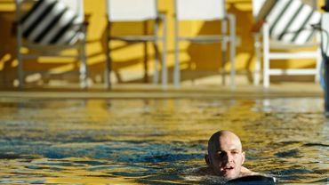 Les piscines ne sont pas toujours propres, une situation propice à la formation de chloramines