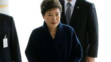 La présidente sud-coréenne destituée Park Geun-Hye arrive au bureau du procureur, le 21 mars 2017 à Séoul