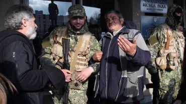Des miliciens pro-russes dans la ville de Slavyansk, dans l'est de l'Ukraine.