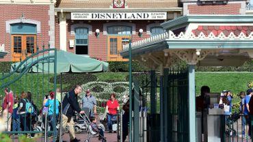 """Des employés de Disneyland réclament des salaires leur permettant de """"vivre"""""""