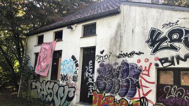 La maison, propriété de l'UCLouvain, est inoccupée depuis plusieurs années