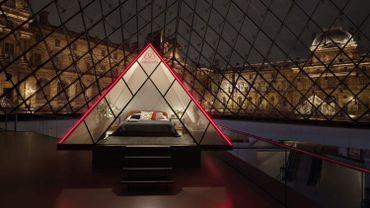 Avec Airbnb, le Louvre installe une chambre à coucher sous sa pyramide le 30 avril prochain