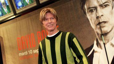 David Bowie lors d'une séance de dédicace à Paris en 2002
