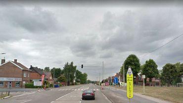 Sur cette photo de la N90 au Levant de Bray, on distingue bien, à droite, le radar fixe. Attention: désormais 70 km/h maximum