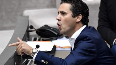 """Le budget flamand n'est pas du tout à l'équilibre"""", a affirmé le chef de groupe du sp.a au parlement flamand, Joris Vandenbroucke."""