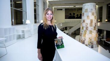 """Adeline Dieudonné s'entretiendra également avec des étudiants de 10 universités belges, qui lui ont attribué le prix Choix Goncourt de la Belgique pour son premier roman """"La vraie vie""""."""
