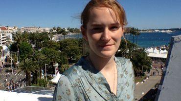 Sarah Hirtt sur la terrasse de la Cinéfondation au Palais des Festivals de Cannes après la projection de son film