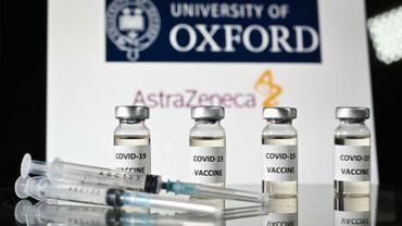 """Coronavirus en France: l'utilisation du vaccin AstraZeneca étendue aux """"65-75 ans"""" avec """"comorbidités"""""""
