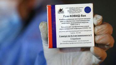 Le vaccin russe Spoutnik V bientôt fabriqué (et distribué) en Europe, des accords de production signés dans plusieurs pays