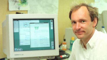 Le Britannique Tim Berners-Lee est reconnu comme étant l'inventeur du Web.
