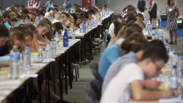 Beaux de candidats, peu d'élus: 1044 jeunes ont réussi cette année l'examen d'entrée en médecine et dentisterie (juillet et septembre).