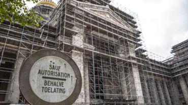 La façade principale du vieux bâtiment sera libérée de ses structures de métal si tout va bien courant 2023