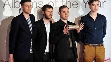 Le groupe anglais Everything Everything avec leur Prix Mercury du meilleur album, reçu en 2011