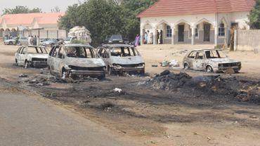 Archive: des voitures brûlées lors d'une attaque à Auno en février 2020