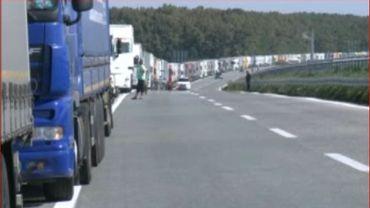 Poste frontière de Batrovci entre Serbie et Croatie