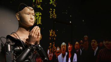 Né d'un projet commun entre ce temple zen chargé d'histoire et le roboticien connu Hiroshi Ishiguro, de l'université d'Osaka, il est entré en service cette année.