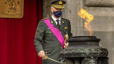 Le Roi Philippe ranime la flamme au Soldat Inconnu