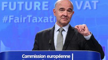 Le commissaire européen à l'Economie et la Fiscalité Pierre Moscovici, lors de la présentation à Bruxelles d'un projet de réforme de la TVA, le 4 octobre 2017.
