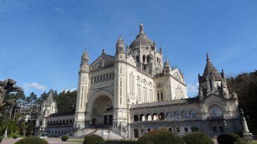 La balade de Carine : La basilique Saint-Thérèse de Lisieux