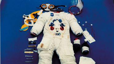 La Nasa a annulé lundi la sortie dans l'espace de deux femmes astronautes qui devait avoir lieu vendredi car il n'y a pas assez de combinaisons spatiales de la bonne taille à bord de la Station spatiale internationale (ISS).