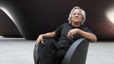 """Le sculpteur britannique Anish Kapoor s'est en tout cas vu accorder le droit exclusif d'utiliser le """"Vantablack"""", noir d'une grande pureté, par la société qui le produit"""